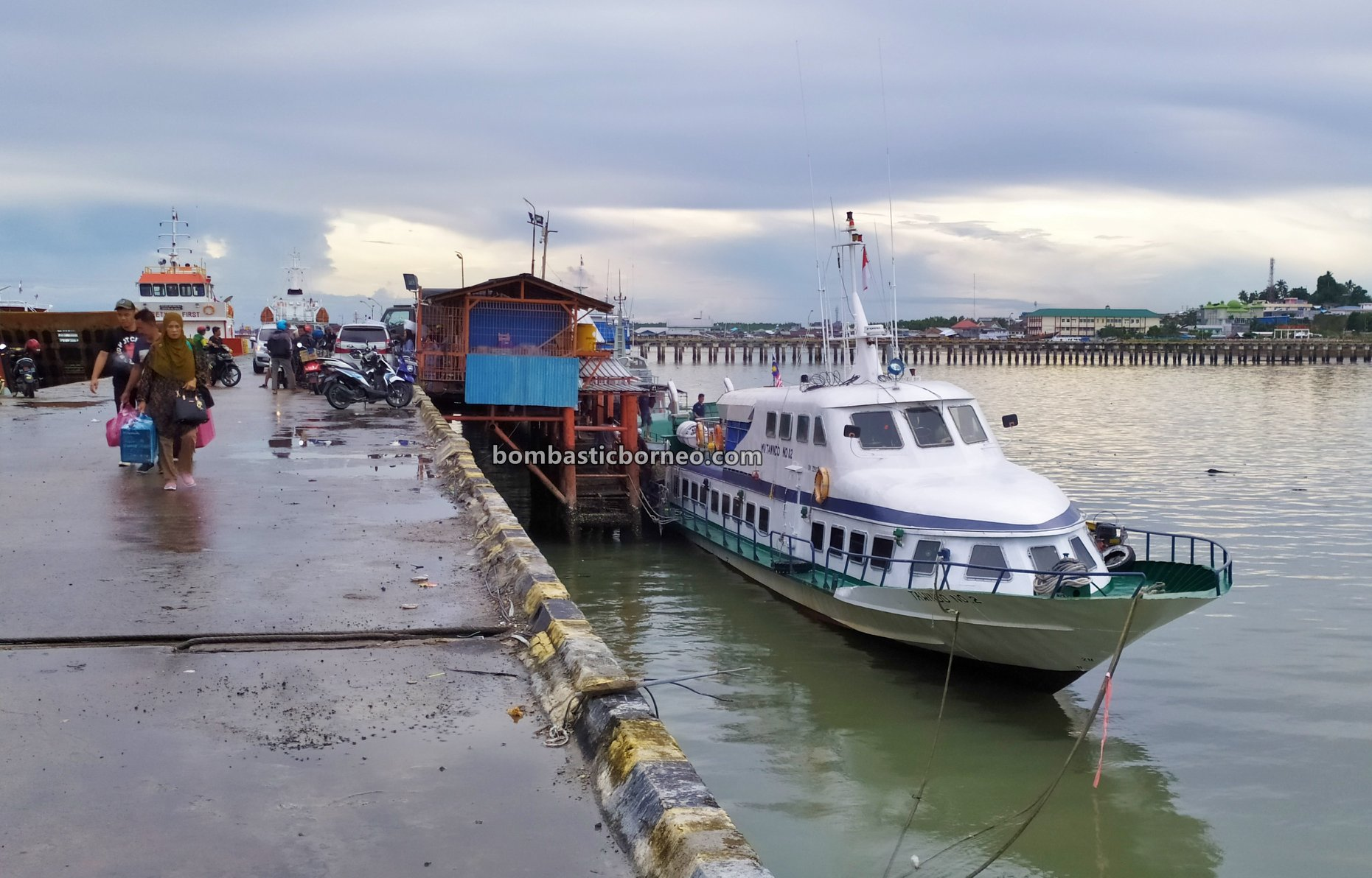 Ferry terminal, Express Boat Ride, backpackers, exploration, Kaltara, Pelabuhan Malundung, wharf, speedboat, Tourism, Transportation, travel guide, Trans Border, Borneo, 探索婆罗洲北加里曼丹, 打拉根岛轮渡码头