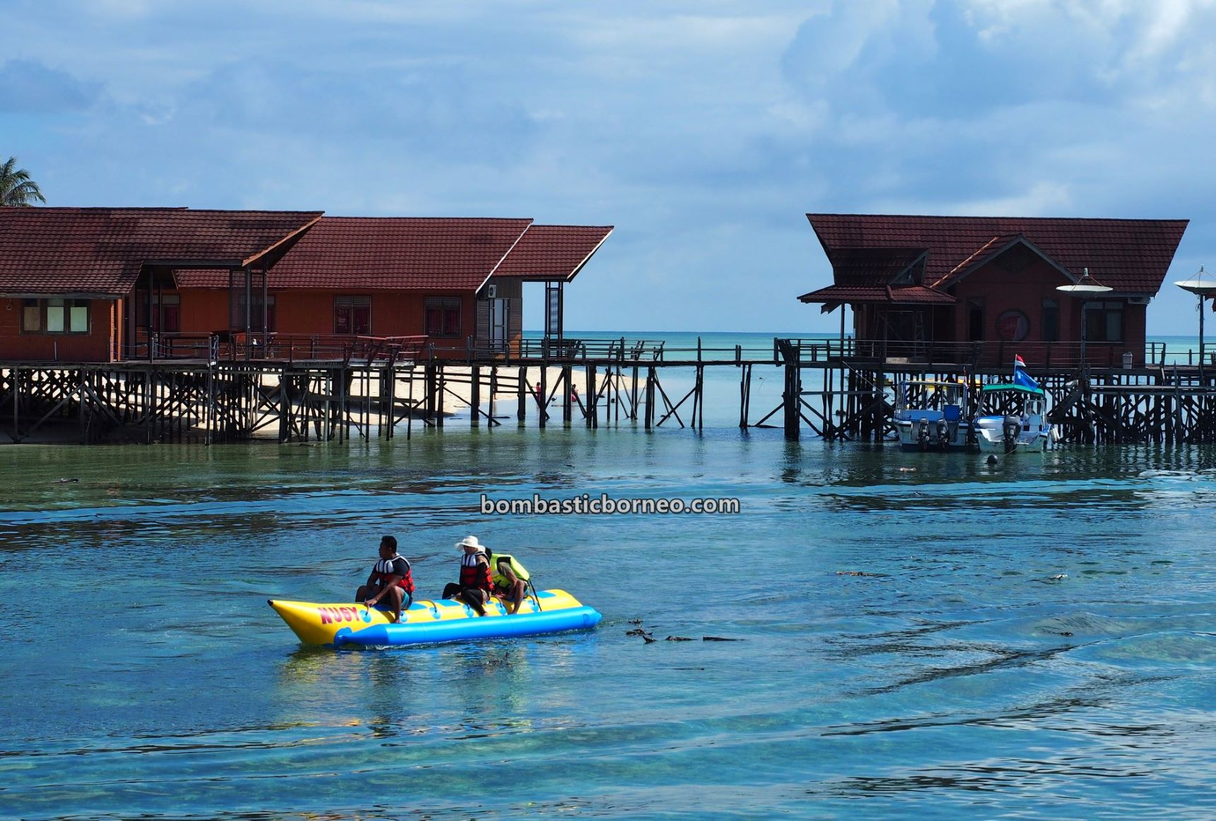 Derawan Archipelago, backpackers, Destination, nature, hidden paradise, holiday, vacation, East Kalimantan, Sulawesi Sea, Pariwisata, travel guide, Borneo, 探索婆罗洲游踪, 印尼东加里曼丹, 达拉湾岛旅游景点,