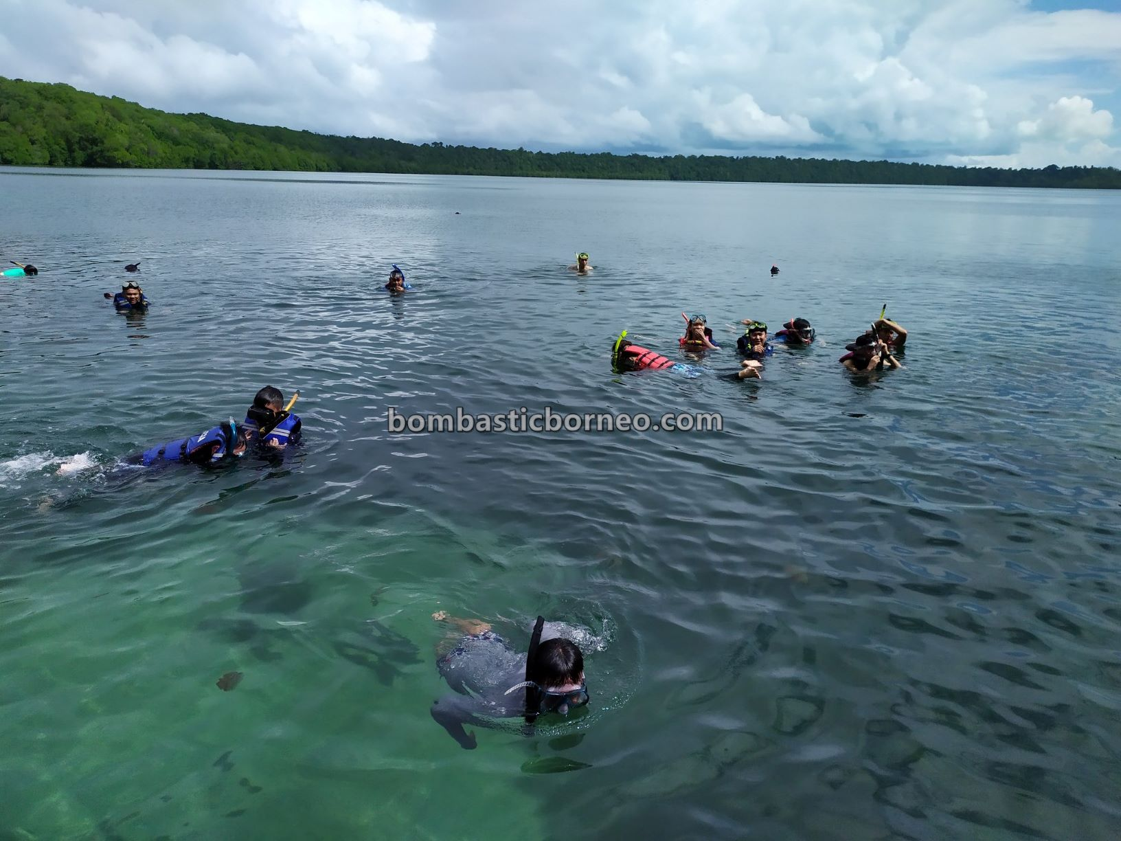 Derawan Archipelago, Danau Ubur-Ubur, Stingless Jellyfish Lake, adventure, nature, outdoor, backpackers, diving, Berau, Tourist attraction, travel guide, Trans Borneo, 穿越婆罗洲印尼, 东加里曼丹旅游景点, 卡卡班岛水母天堂,