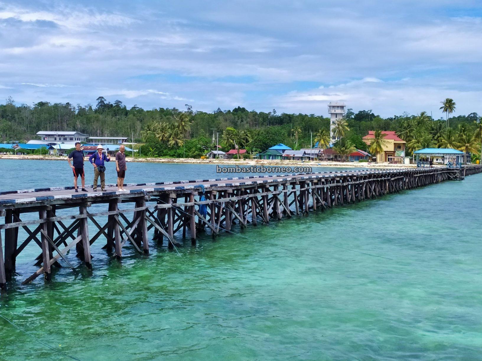 Kepulauan Derawan, white sandy beaches, Pasir Putih, Kampung Payung-Payung, Bajau village, nature, holiday, vacation, Pariwisata, Tourism, travel guide, Trans Borneo, 穿越婆罗洲游踪, 印尼东加里曼丹, 马拉图娃岛旅游景点,