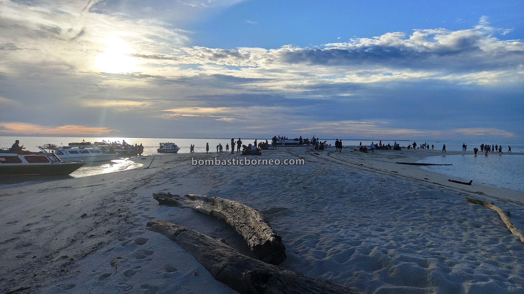Kepulauan Derawan, white sandy beaches, backpackers, Destination, exploration, nature, hidden paradise, holiday, vacation, East Kalimantan, wisata alam, Tourism, Borneo, 婆罗洲旅游景点, 印尼东加里曼丹,