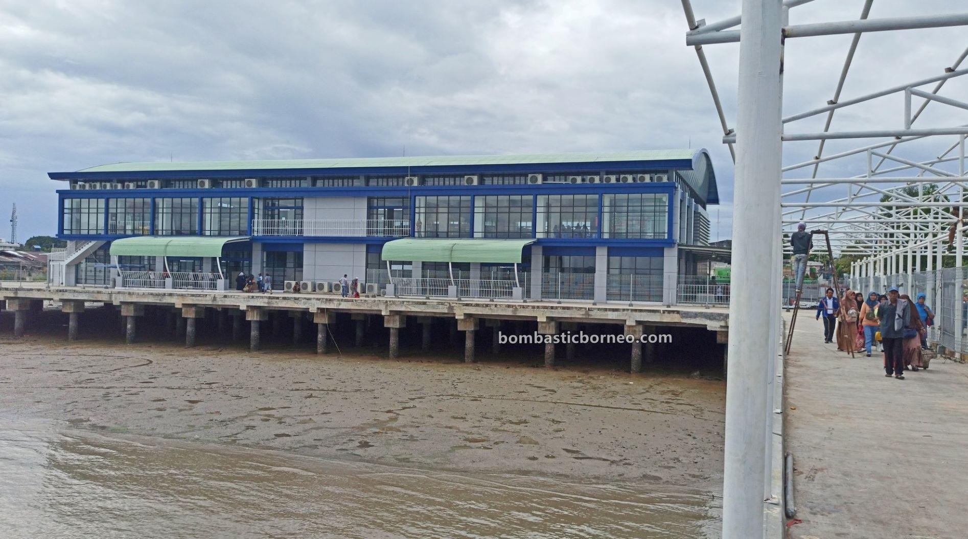 pelabuhan, ferry ride, Kapal Besar, international, Transportation, backpackers, exploration, Obyek wisata, Tourism, travel guide, Cross Border, Trans Border, Borneo, 探索婆罗洲游踪, 印尼北加里曼丹