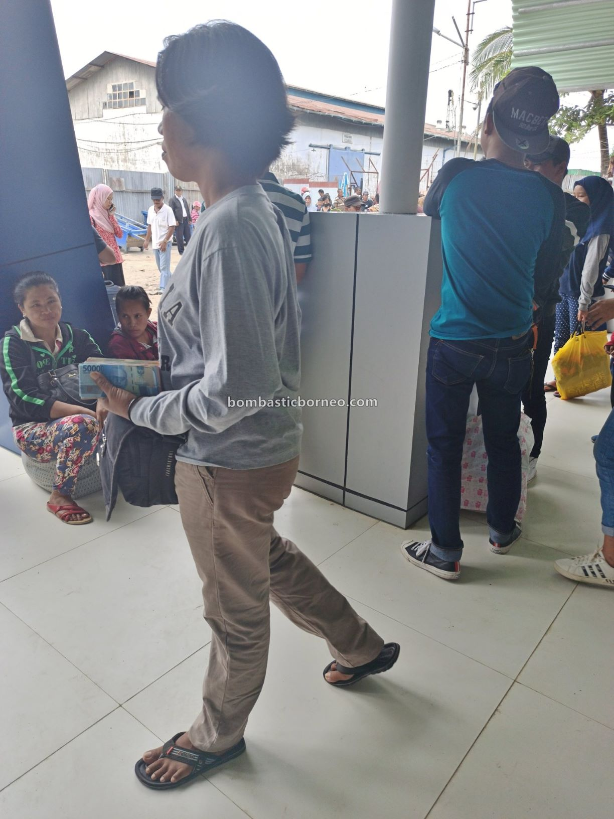 express boat, international, Transportation, backpackers, destination, exploration, Kalimantan Utara, Obyek wisata, tourism, travel guide, Trans Border,