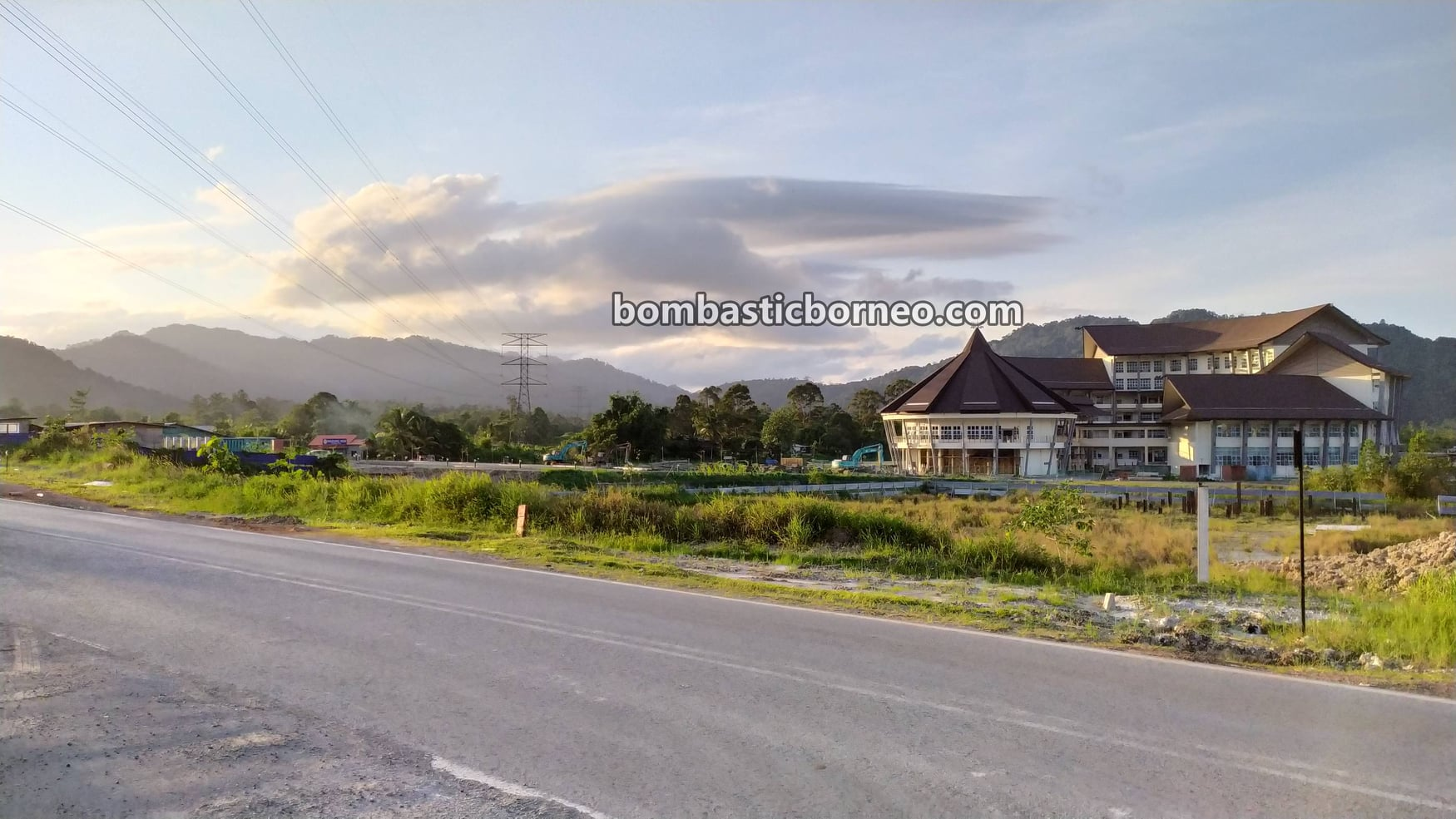 Serian town, backpackers, destination, exploration, objek wisata, Tourism, tourist attraction, travel locally, Trans Borneo, 穿越婆罗洲游踪, 马来西亚砂拉越,, 西连镇,