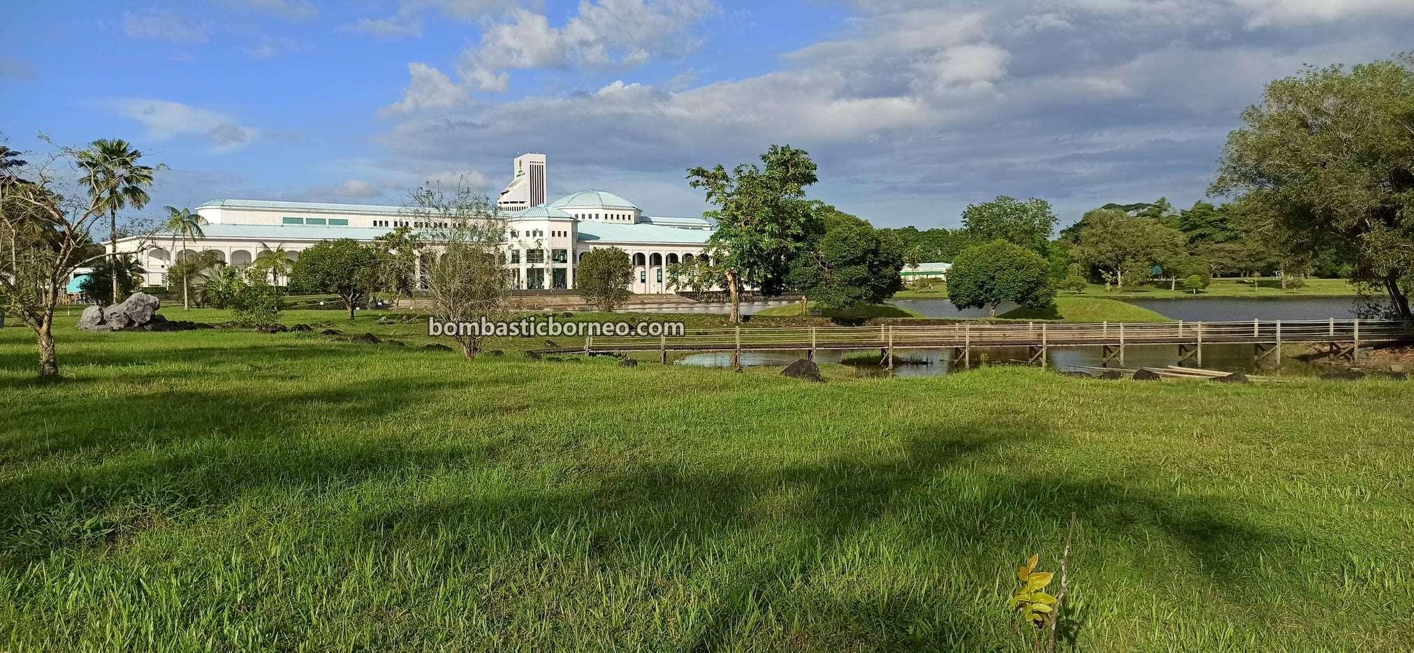 Pustaka Negeri Sarawak, Sarawak State Library, tempat senaman, jogging, walking, outdoor, exercise, garden park, Borneo, Kuching, Malaysia, nature, objek wisata, Tourism, travel local,